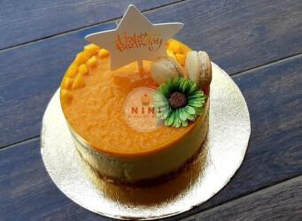 עוגת מוס טרופית - בסיס קראנץ פאייטה מוס שוקולד לבן וקולי מנגו