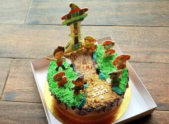 עוגת מוס שני שוקולדים בקונספט מפרץ ההרפתקאות (הכול אכיל)<br>